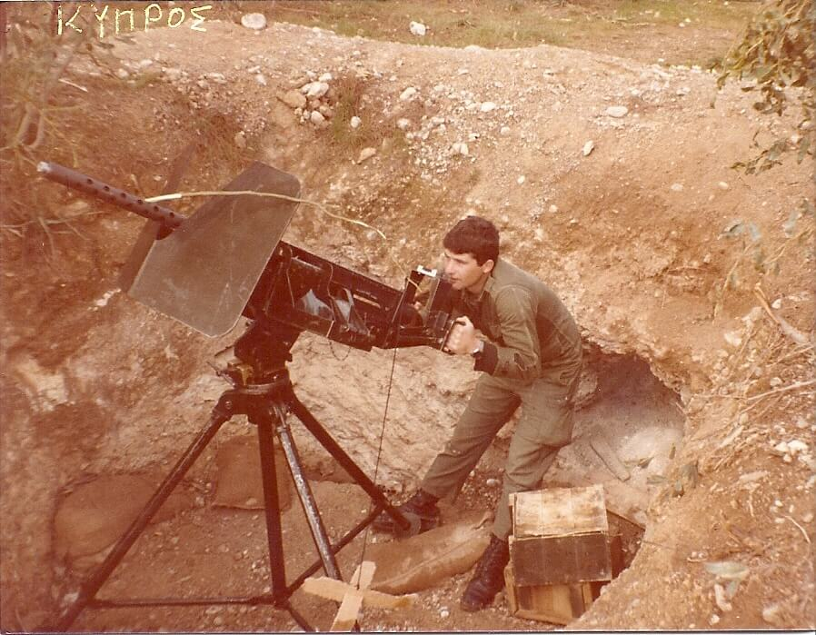 Λάζαρος Σωτ. Σβώλος σε θέση βολής την ημέρα που ανακηρύχθηκε το ψευδοκράτος του Ντεκτάς 15-11-1983